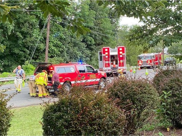 HMN - Fire officials_ 200-proof alcohol spill closes roads in Brookfield